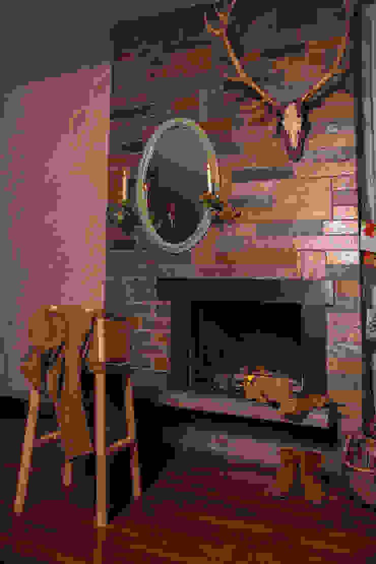 Livestock Bar stool (Smokey) van Product Design - Tijn van Orsouw Rustiek & Brocante