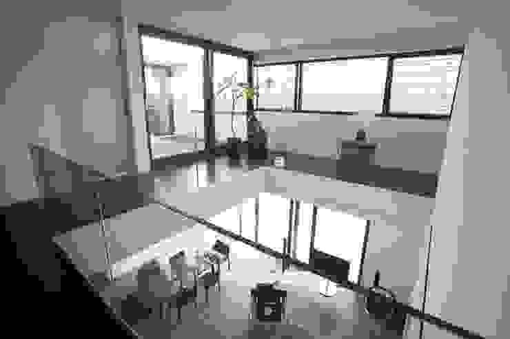 Parga Wohnkonzept Moderner Flur, Diele & Treppenhaus von PARGA WOHNKONZEPT GMBH Modern
