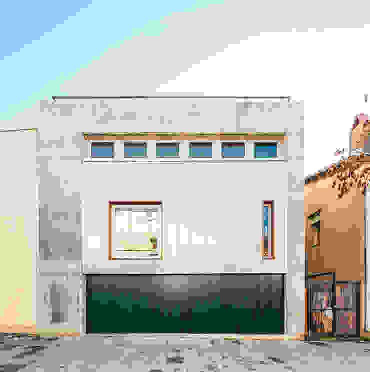 Casa Migdia Casas de estilo minimalista de Sau Taller d'Arquitectura Minimalista