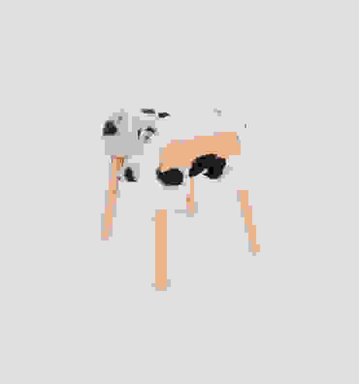 Livestock stool (Big haun) van Product Design - Tijn van Orsouw Rustiek & Brocante