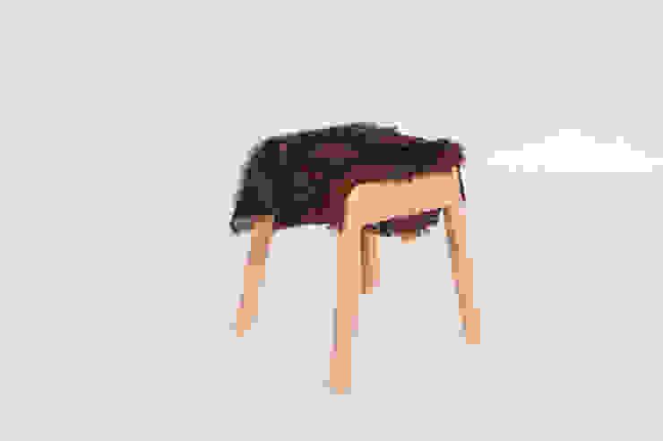 Livestock stool (Gary the Goat) van Product Design - Tijn van Orsouw Rustiek & Brocante