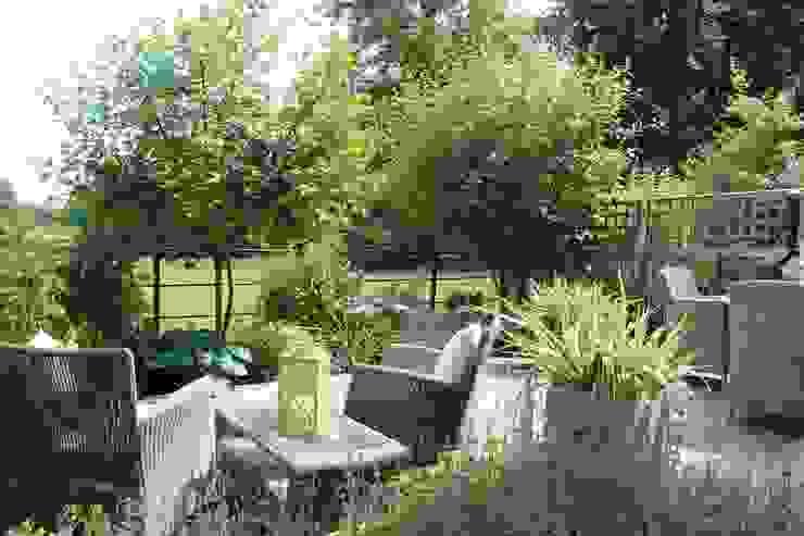 A year after planting di Dawn Garden Design
