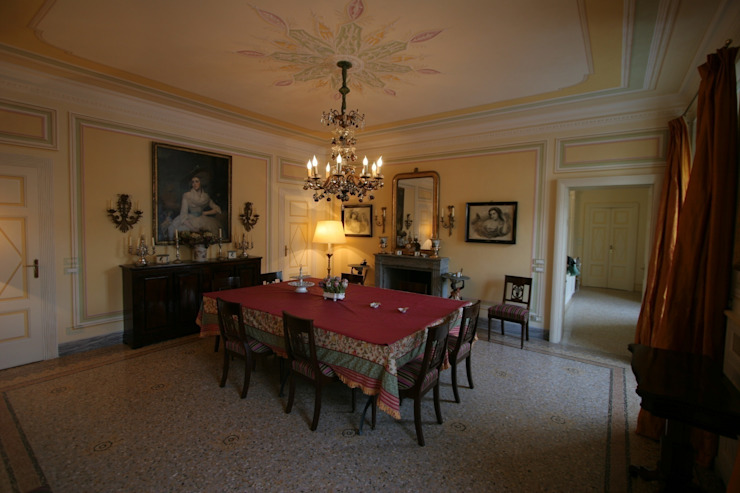 Villa Silva - Torno Lago di Como Sala da pranzo in stile classico di Archiluc's - Studio di Architettura Stefano Lucini Architetto Classico