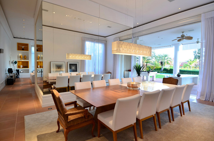 Modern dining room by Studio Cinque Modern