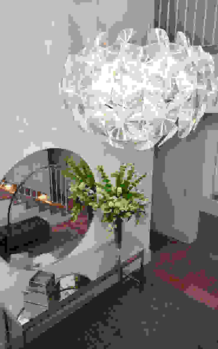 Koridor & Tangga Modern Oleh Studio Cinque Modern