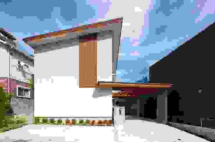 西側外観 モダンな 家 の 森建築設計室 モダン