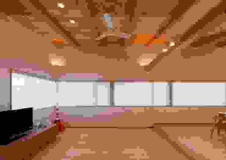 リビングルーム モダンデザインの リビング の 森建築設計室 モダン