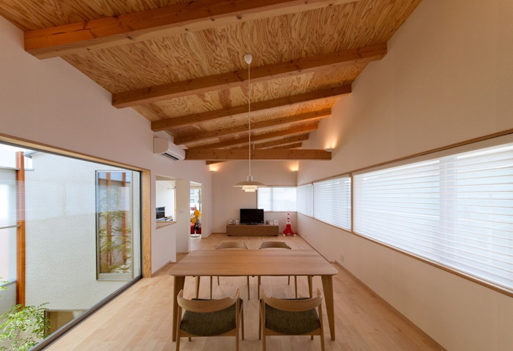 ダイニング モダンデザインの ダイニング の 森建築設計室 モダン