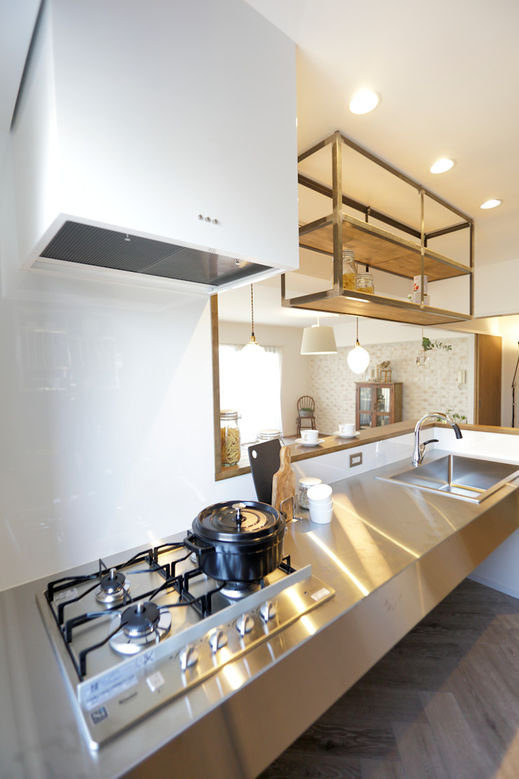 キッチン ラスティックデザインの キッチン の SWITCH&Co. ラスティック