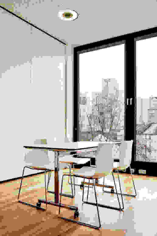 by unlimited architekten | neumann + rodriguez Modern