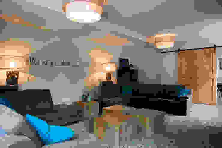 Overzicht van de woonkamer Moderne woonkamers van Hemels Wonen interieuradvies Modern