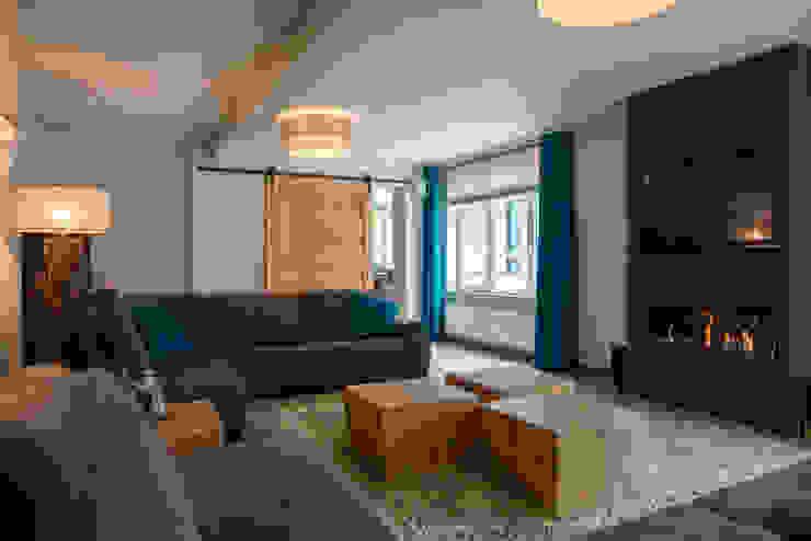 Salas / recibidores de estilo  por Hemels Wonen interieuradvies , Industrial