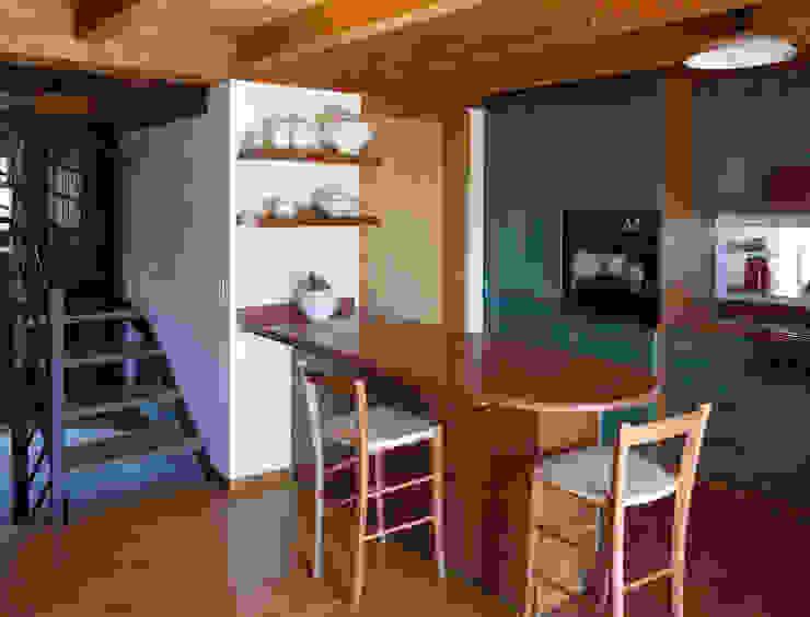 Cocinas de estilo rústico de Interni d' Architettura Rústico