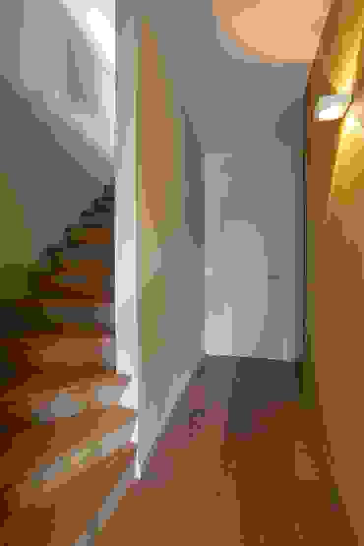 Sterrebeek Moderne gangen, hallen & trappenhuizen van TOTAALPROJECT Modern