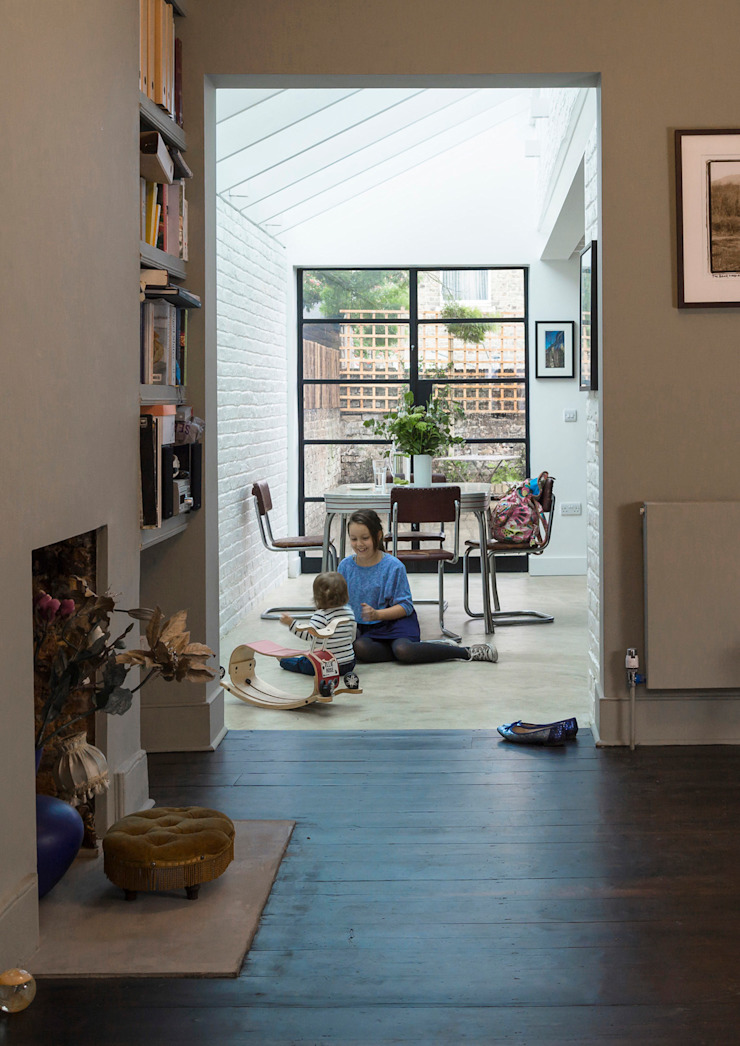 Living Room Livings de estilo clásico de Mustard Architects Clásico