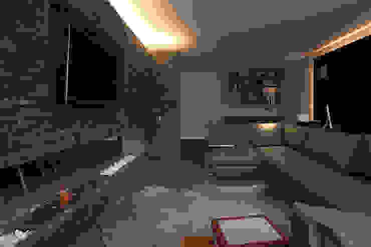 Departamento DL Salas de estilo moderno de kababie arquitectos Moderno