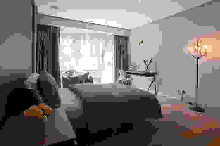 Departamento DL Dormitorios de estilo moderno de kababie arquitectos Moderno