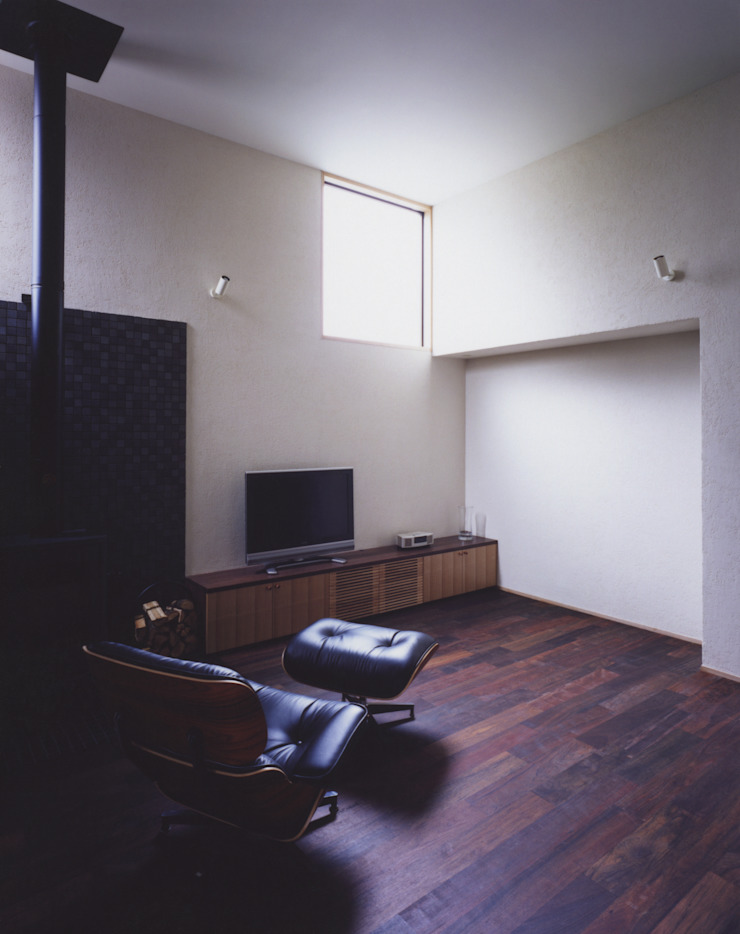 リビングルーム2 北欧デザインの リビング の 矩須雅建築研究所 北欧