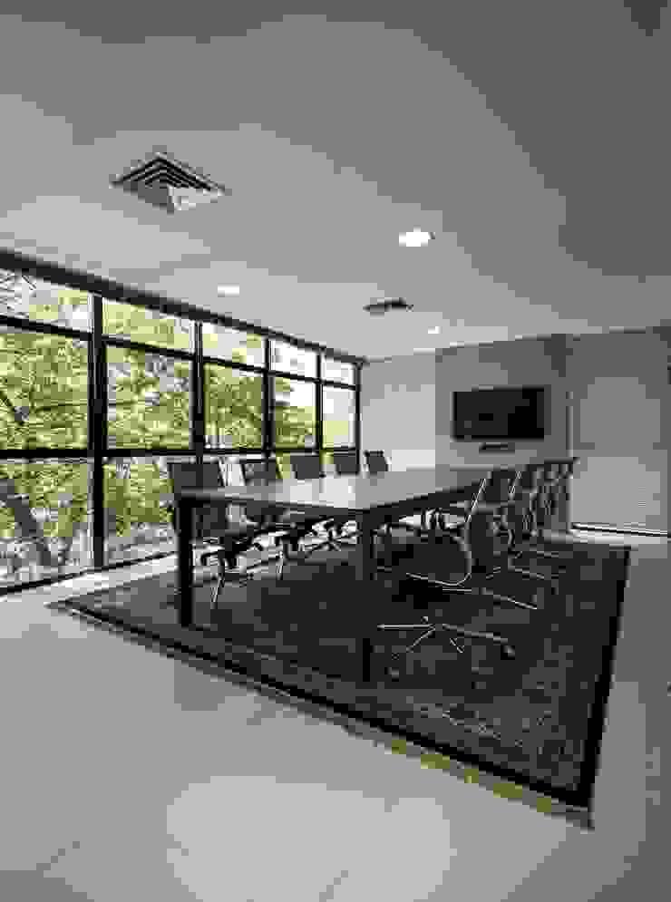 Modern study/office by Kali Arquitetura Modern
