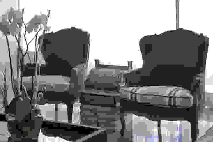 Salas/Recibidores de estilo  por kababie arquitectos,