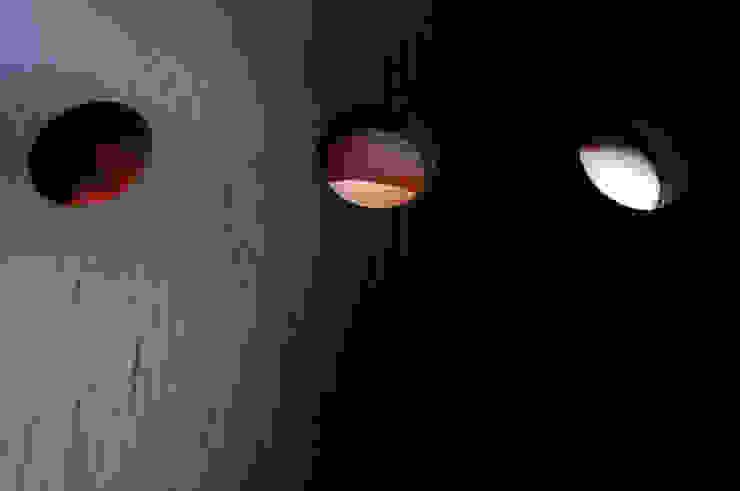 BOO-HOUSE(本郷の家) モダンな 窓&ドア の 株式会社ギミック モダン