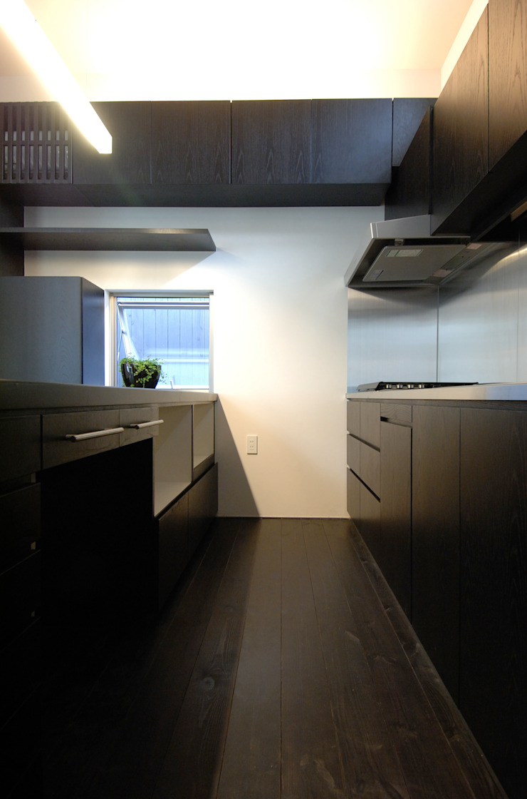 BOO-HOUSE(本郷の家) モダンな キッチン の 株式会社ギミック モダン
