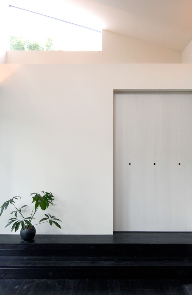 BOO-HOUSE(本郷の家) モダンデザインの リビング の 株式会社ギミック モダン