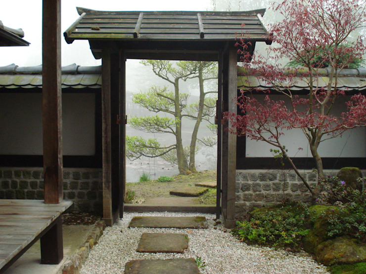 Asian style garden by japan-garten-kultur Asian