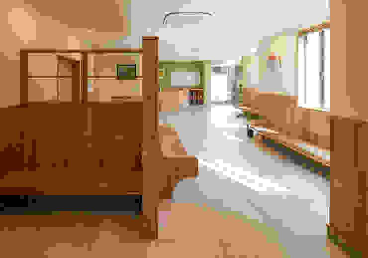 待合室2 オリジナルデザインの 多目的室 の 矩須雅建築研究所 オリジナル