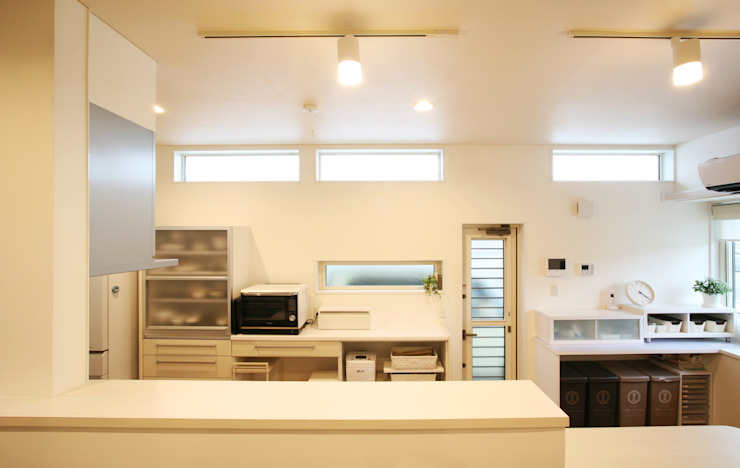 Modern style kitchen by 吉田設計+アトリエアジュール Modern