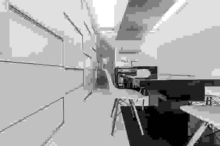 ДВЕРЬ Arch Group Кухни в эклектичном стиле