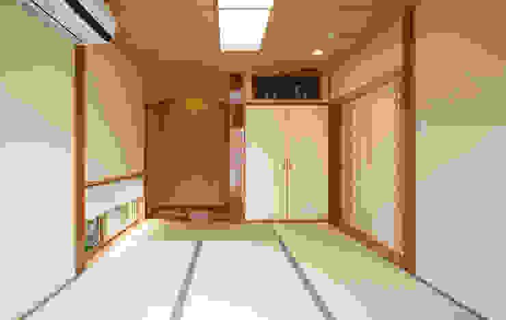 غرفة نوم تنفيذ 吉田設計+アトリエアジュール, أسيوي