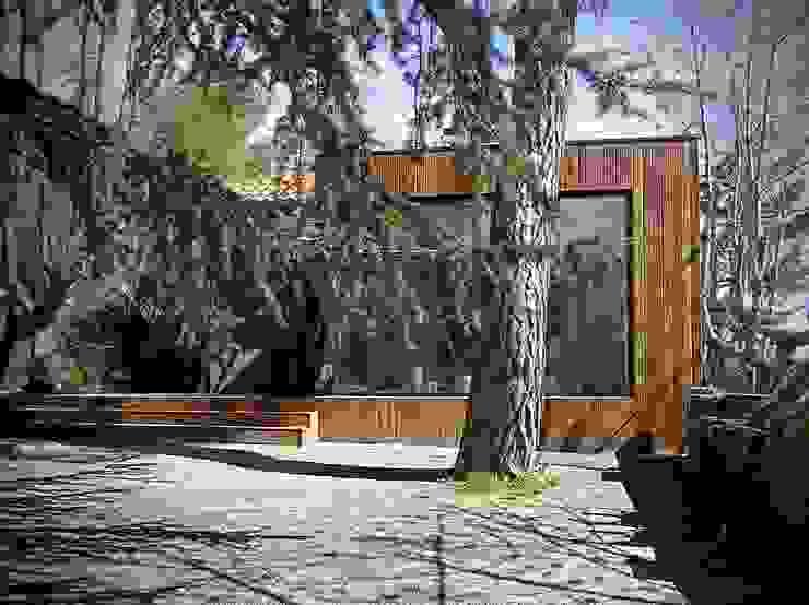 ANTIGUA CASA DE GUARDIA EN UNA COLONIA Casas de estilo minimalista de homify Minimalista