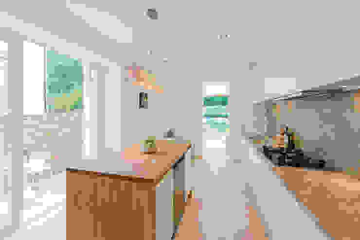 Claremont Road Moderne Küchen von Will Eckersley Modern