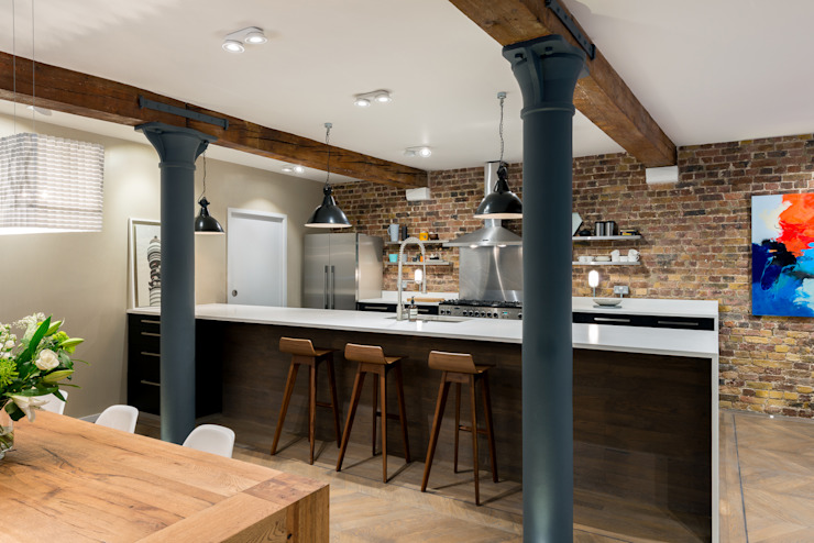 Oliver's Wharf Industrial style kitchen by Will Eckersley Industrial
