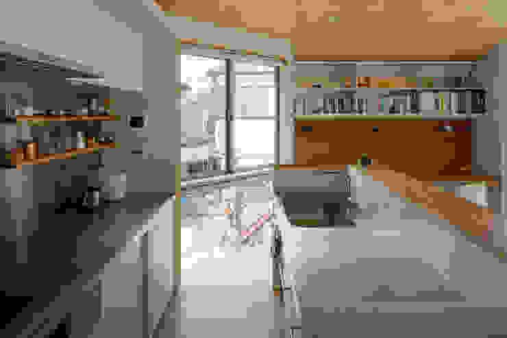 Moderne Küchen von 株式会社リオタデザイン Modern