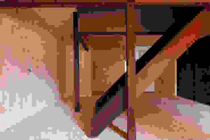 Ephemeral House 和風デザインの リビング の NAAD 和風