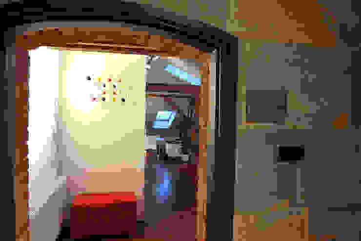 studio Nowoczesny korytarz, przedpokój i schody od REFORM Konrad Grodziński Nowoczesny