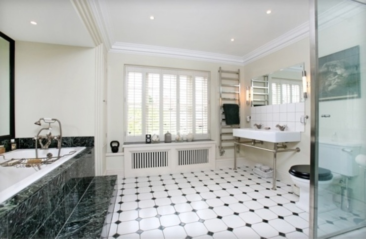 Riverside property Oxfordshire Classic style bathroom by adventures in living Classic