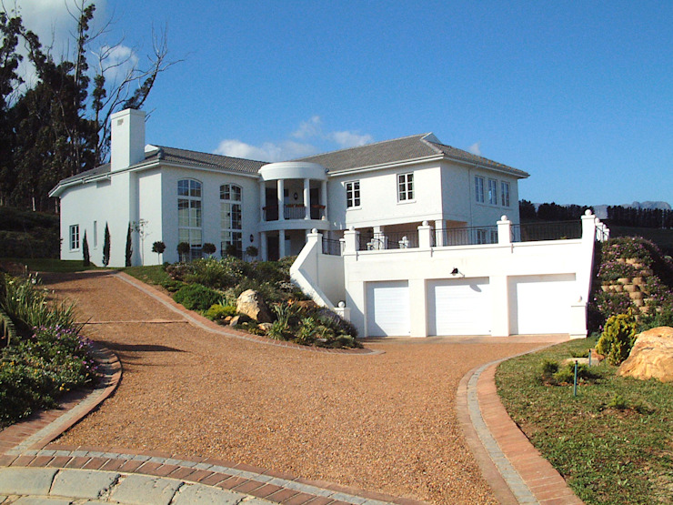 Дом в Южной Африке: Дома в . Автор – Елена Вэлхли, Колониальный