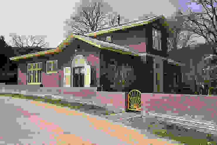 Van anatomisch lab naar een villa Landelijke huizen van Architectenbureau Vroom Landelijk