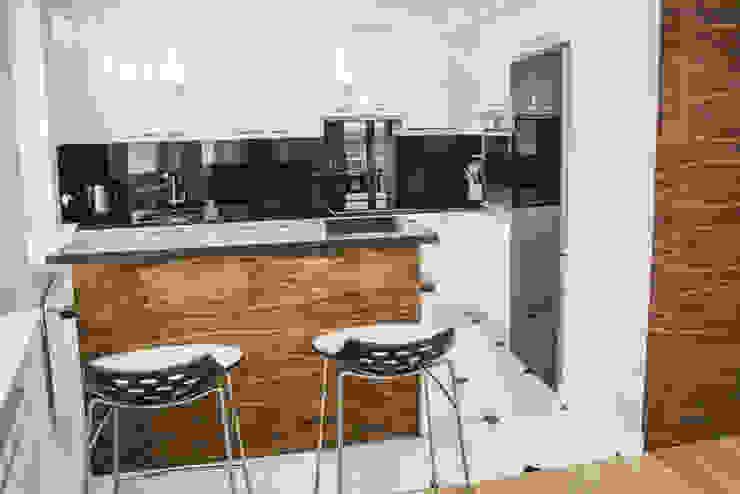 Mieszkanie młodej humanistki. : styl , w kategorii Kuchnia zaprojektowany przez HOLADOM Ewa Korolczuk Studio Architektury i Wnętrz,Skandynawski