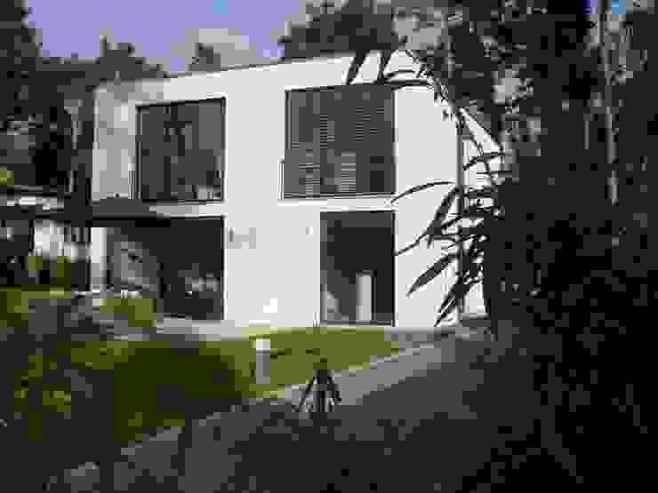 Ansicht der Westseite Moderne Häuser von homify Modern