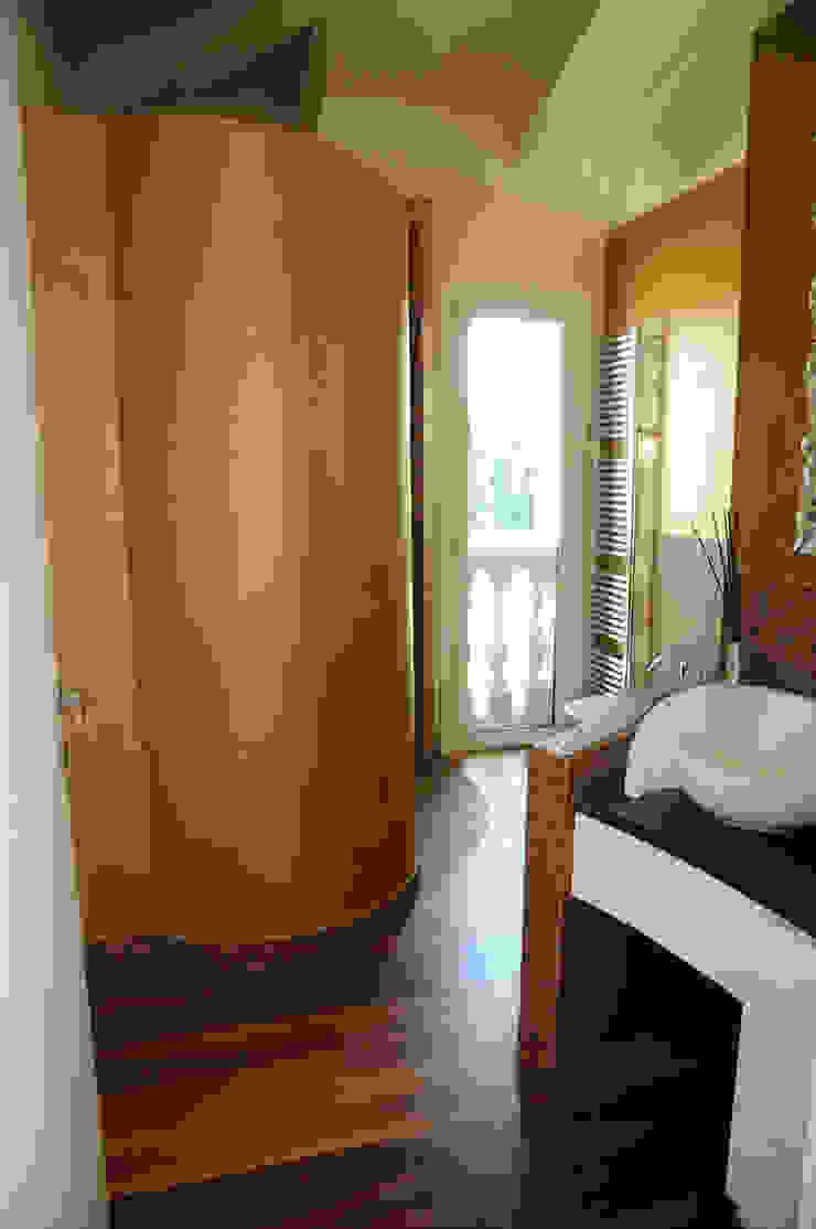 Attico sulla Riviera Romagnola Bagno moderno di Interior Design Stefano Bergami Moderno