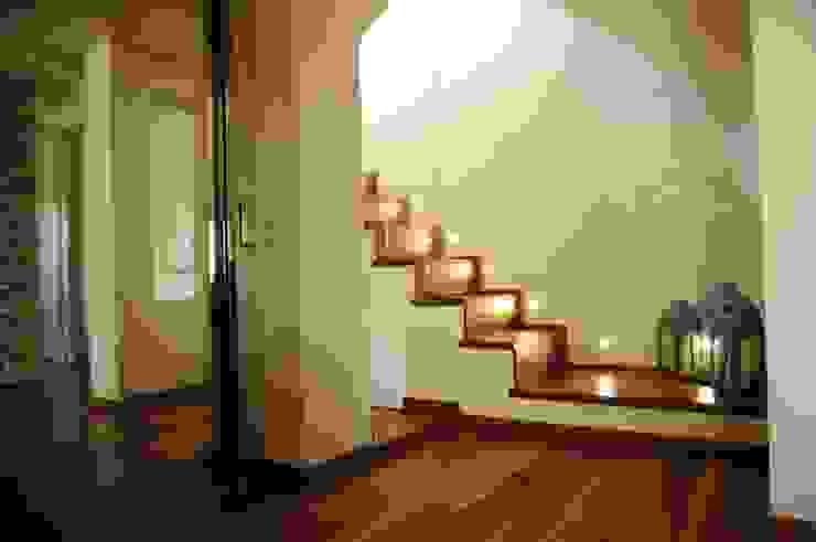 Attico sulla Riviera Romagnola Ingresso, Corridoio & Scale in stile moderno di Interior Design Stefano Bergami Moderno