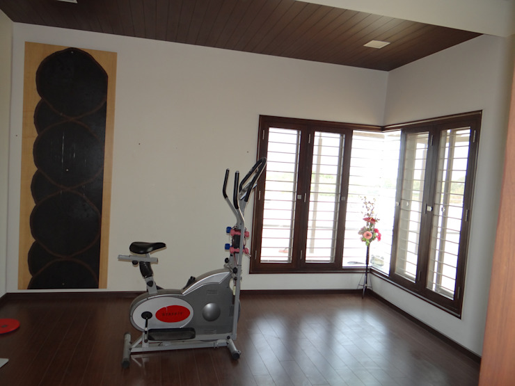 Residence of Mr. Vijayanand Modern gym by Hasta architects Modern