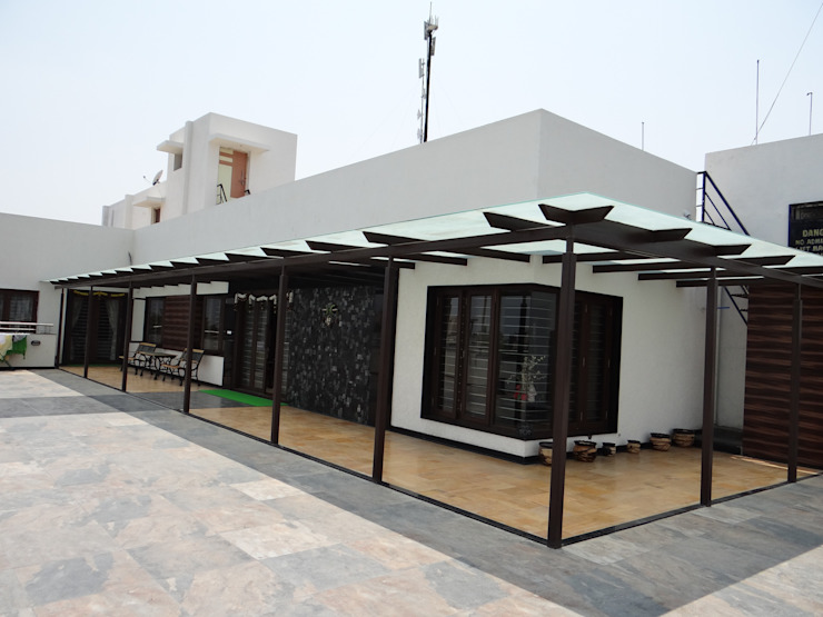Residence of Mr. Vijayanand Modern houses by Hasta architects Modern