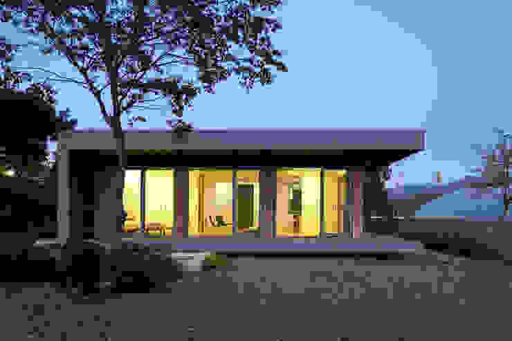 Jardines de estilo moderno de kaichun1000 Moderno