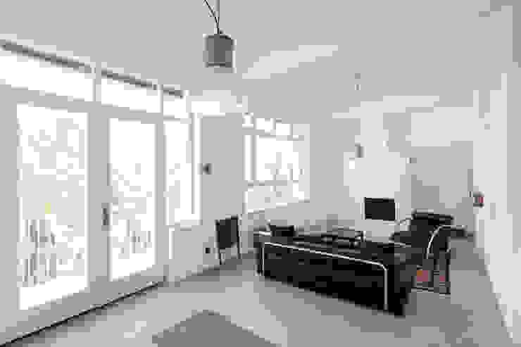 Living room by Tim Diekhans Architektur, Industrial