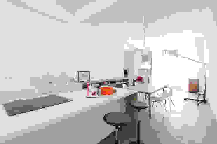 Industrial style kitchen by Tim Diekhans Architektur Industrial